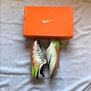 🔥NIKE HYPERVENOM PHINISH SOCCER CLEATS🔥